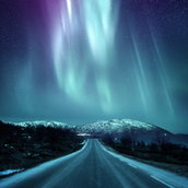 Dramatic northern lights Wallpaper